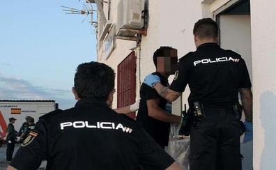 Arrestados los patrones de una patera que llegó a Almería