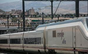 Los viajes en AVE a Málaga y Sevilla se estrenan esta semana, con transbordo en Antequera y Córdoba
