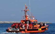 Rescatadas 78 personas de tres pateras en el mar de Alborán