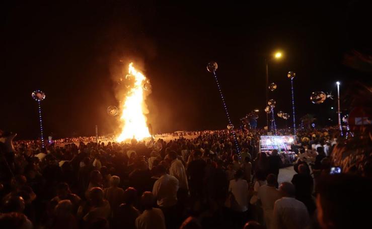 Noche espectacular de San Juan en Salobreña: encuéntrate en las playas