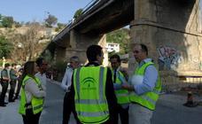 La Junta reparará el puente más transitado de la Alpujarra, que se desprende a pedazos en Órgiva