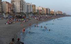 Hogueras en Almería para dar la bienvenida al verano