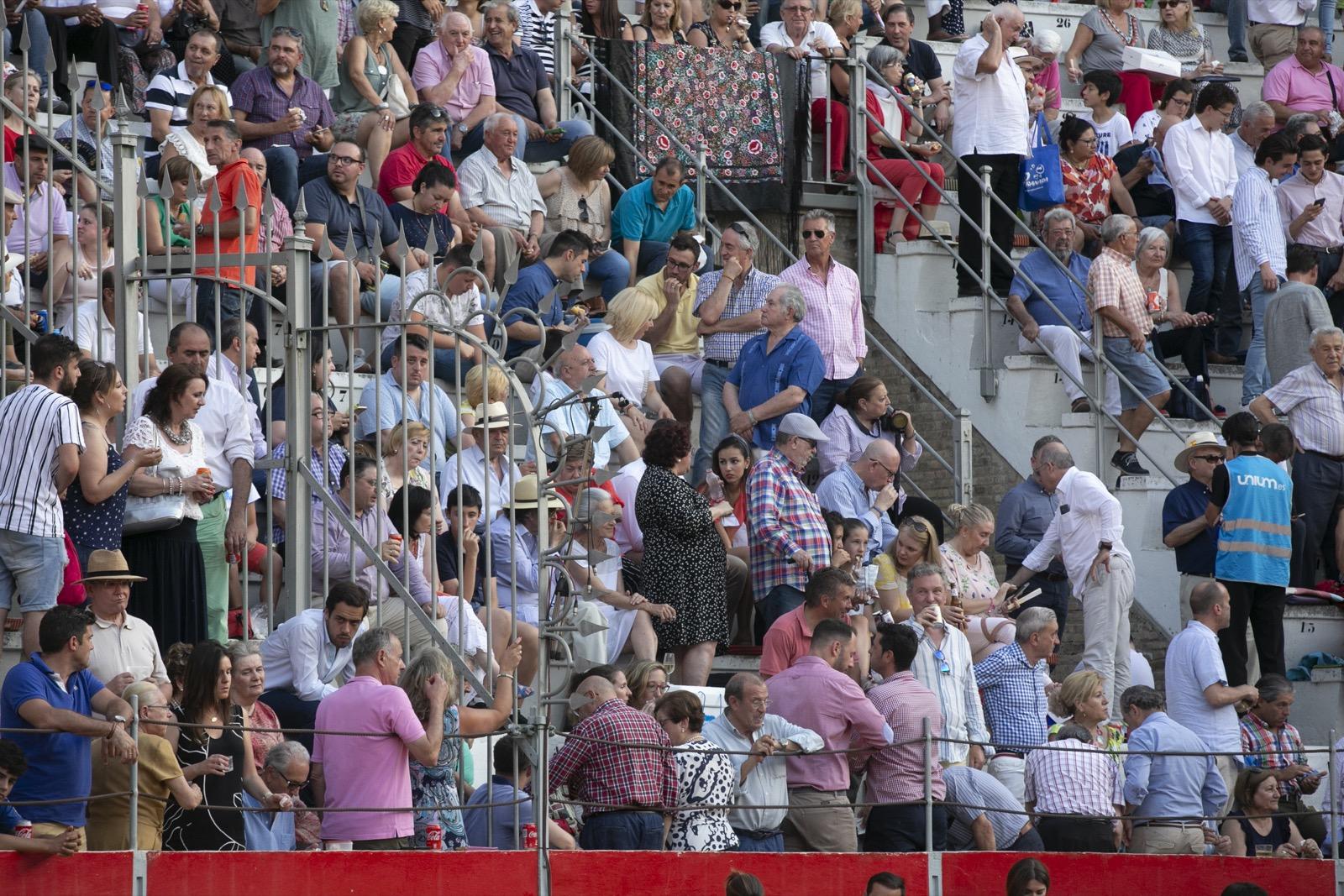 Gradas llenas para despedir los toros del Corpus de Granada