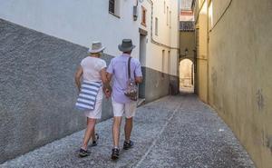 La Audiencia revoca la primera condena por las molestias de los pisos turísticos