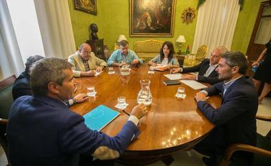 PP y Cs guardan silencio tras la primera reunión para cerrar el gobierno de Granada