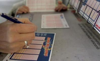 Se hace pasar por ganador del bote de Euromillones para estafar 5.500 euros a una mujer