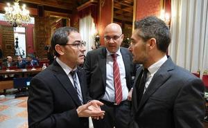 El PSOE acusa a PP y Cs de ser «títeres» de Madrid