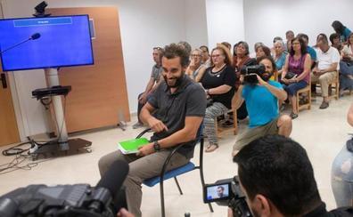 Susana Díaz resalta el «dolor» de su familia ante la «cascada de insultos» de Candel
