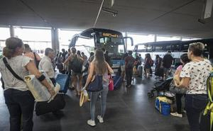 El autobús 'tira' los precios y el avión los mantiene en el primer día de AVE de Granada
