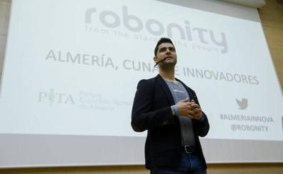'Mobibuk', un invento de Almería para la agricultura creado por Ramón González y su gente