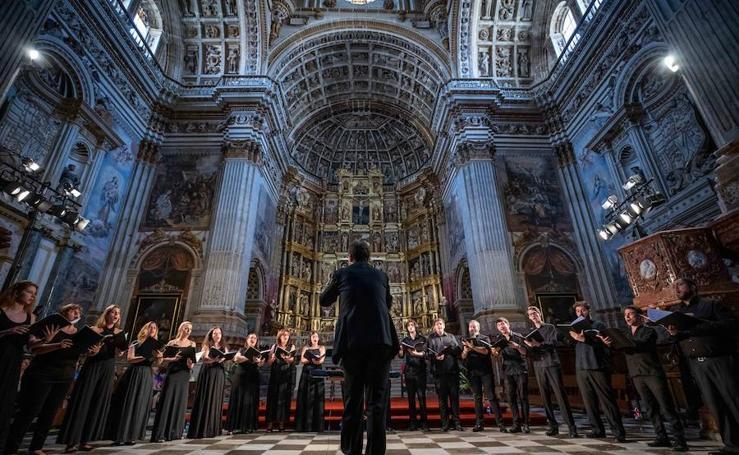 Así es la música coral en el interior de San Jerónimo