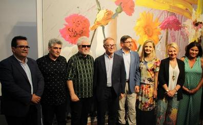 Almodóvar entra en la pintura de la mano de Jorge Galindo: «Ha sido una experiencia catártica»
