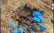 Un vecino de Albolote encuentra cerca de 12 kilos de hachís cuando paseaba con su perro