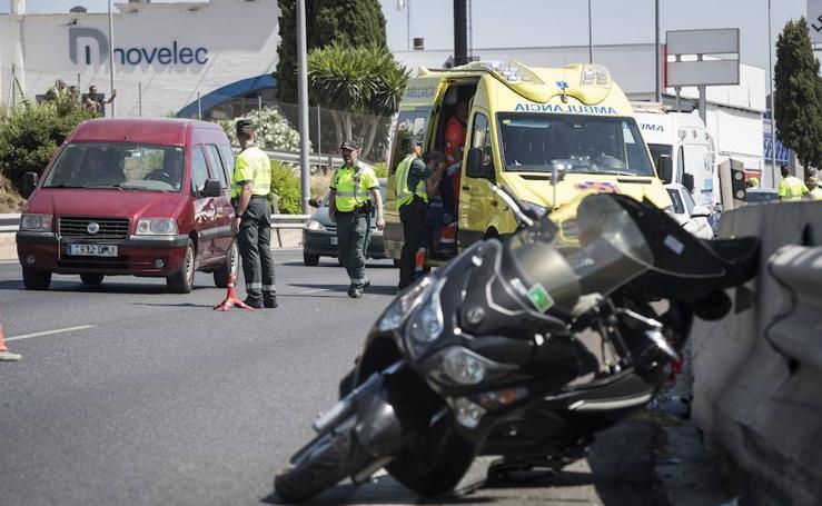 Así ha sido el accidente entre un coche y una motocicleta en la A-44 que se ha saldado con un herido