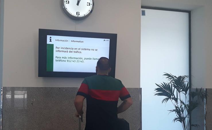 Larga espera en el AVE desde Barcelona que ha llegado con 43 minutos de retraso a Granada