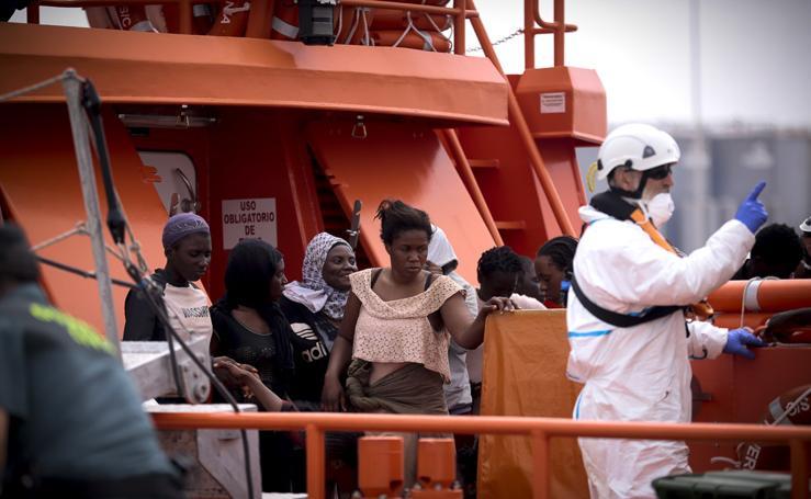 Así ha sido el rescate de 110 inmigrantes en aguas de Motril