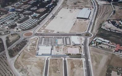 El Jaén Plaza puede abrir en septiembre, si el Ayuntamiento agiliza las licencias