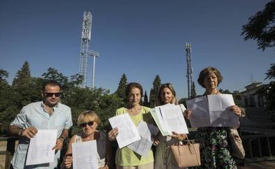 Polémica en el barrio de la Juventud por una antena telefónica a 50 metros de las casas