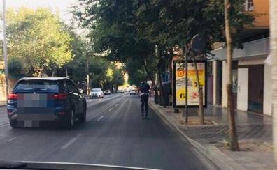 La Policía Local de Jaén recuerda que patinar por la calzada está prohibido y es peligroso