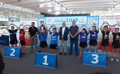 El Tenis de Mesa La Zubia obtiene seis medallas en el Campeonato de España