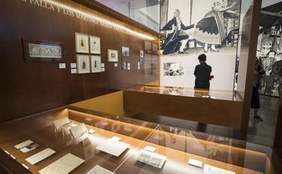 Una exposición en la Alhambra recrea el proceso creativo de 'El sombrero de tres picos'