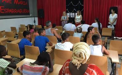 Motril ofrece talleres y actividades de verano para niños de tres zonas desfavorecidas
