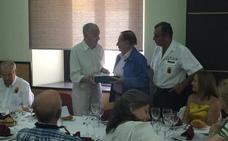 El coronel Nicolás Puertas es distinguido por los veteranos de las FAS y Guardia Civil