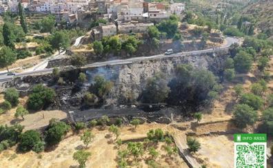 Controlado un incendio agrícola próximo al casco urbano de Bacares y a una masa forestal