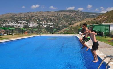 Alpujarra de la Sierra abre su piscina y dos escuelas de verano en Mecina Bombarón y Yegen