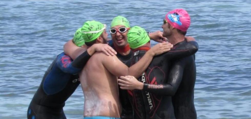 'Mójate por la vida': retos en el mar para donar 50.000 euros a la lucha contra el cáncer