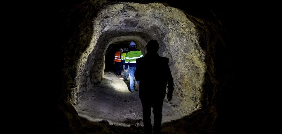 Un recorrido por las venas de la mina de Alquife