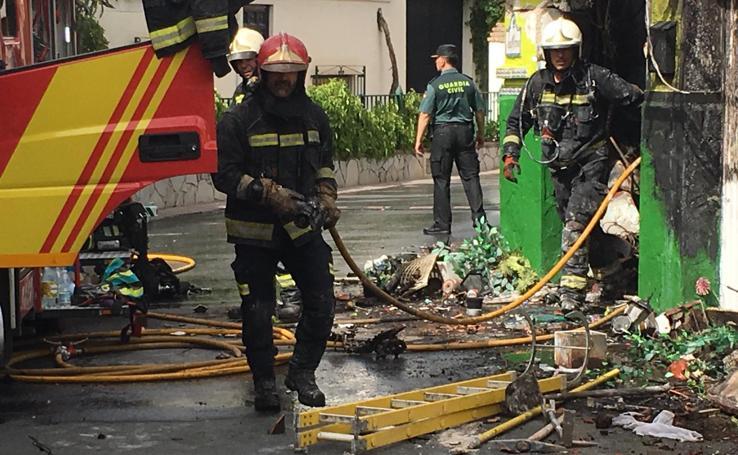 Así ha quedado la casa tras el incendio en el que ha fallecido una mujer en Cájar