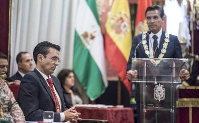 Intercambio de poderes en el Ayuntamiento de Granada: «Nunca se produjo una reunión con el alcalde saliente»