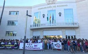 Concentración jienense en apoyo a la víctima de la 'Manada' de Manresa