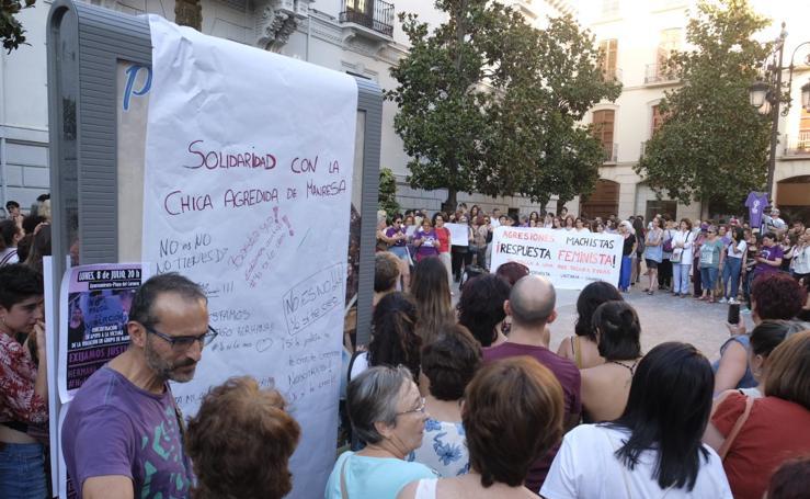 Granada se suma a la concentración en apoyo a la víctima de 'La Manada de Manresa'
