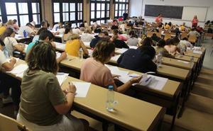 El 57% de los opositores a maestro pasa la primera prueba de la convocatoria en Almería