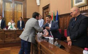 La despedida cordial de los diputados de Jaén