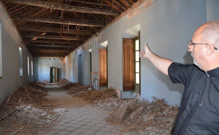 Así es por dentro el edificio que albergará el nuevo colegio para chicos de plaza de Gracia, en Granada