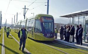 El alcalde de Jaén irá a Sevilla 'subido' en el tranvía