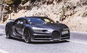 El lujoso Bugatti Chiron que rueda por Granada: un coche de 3 millones y 1.500 caballos