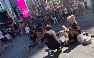 Un policía nacional de vacaciones detiene en Nueva York a un hombre que había agredido a un agente