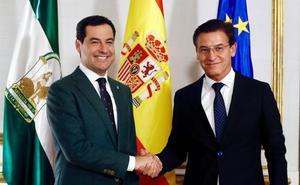 El presidente de la Junta de Andalucía recibe al alcalde de Granada y le promete lealtad para conseguir la capitalidad cultural