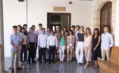La UGR y Educación reconocen a los 30 mejores estudiantes de selectividad