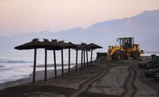 Las máquinas tratan de quitar el escalón de Playa Granada