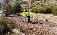 Acometen el arreglo de un camino ganadero de Santiago-Pontones