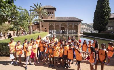 30 niños saharauis conquistan la Alhambra