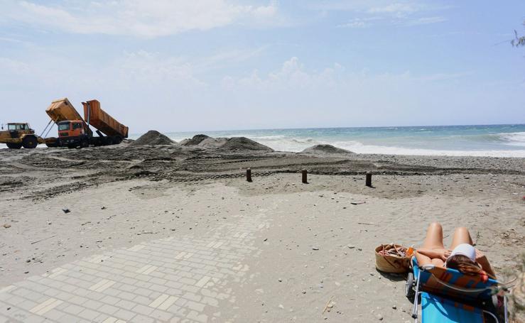 El mar comiéndose a Playa Granada a lo largo de los años