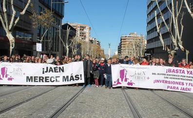 El PP y Jaén Merece Más se suman con matices a la marcha por el tren