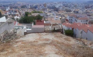 La limpieza de solares municipales se extiende a todo Jaén para evitar fuegos