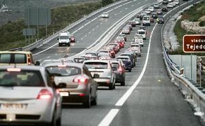 La DGT alerta del 'efecto dominó' en las carreteras: ¿cómo se produce?